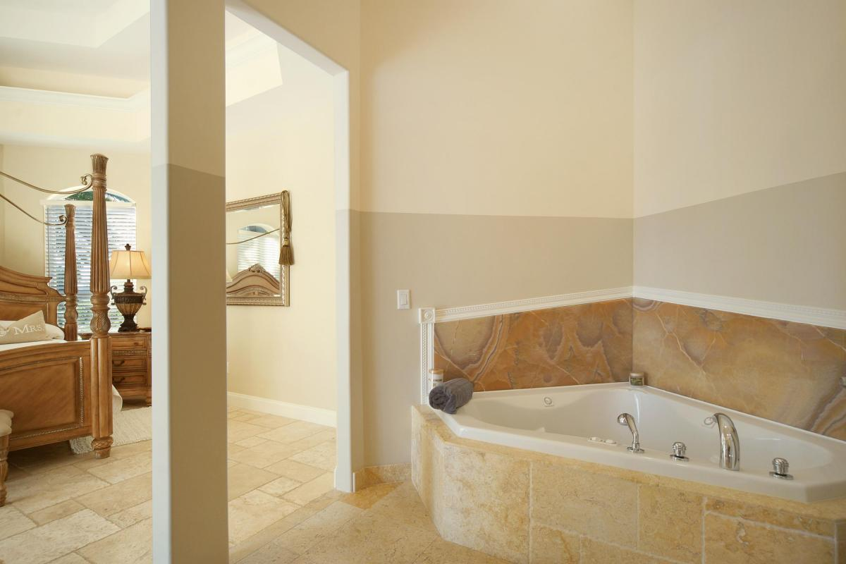MASTER BATHROOM VILLA TROPICAL ISLAND